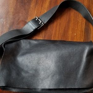 Banana Republic Fun Fall Black Shoulder Bag w Flap